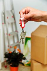 Schlüssel einer Wohnung beim Umzug. Nachmieter