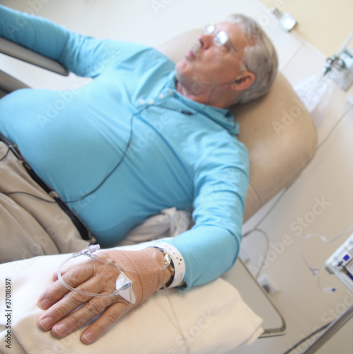 chemotherapy patient sucking on ice chips