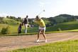 Golferin im Sandbunker