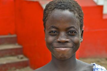 Afrikanische schöne, junge Frau