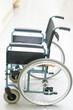 Rollstuhl auf dem Gang