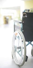Rollstuhl im Gang