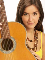 Joven latina guitarra.