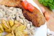 Schnitzel mit Rosmarinkartoffeln an Rahmchampignons