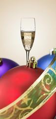 bolas decorativas con champan