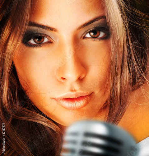 Trendy Singer Girl Singing In Retro Mic