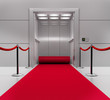 Aufzug mit rotem Teppich