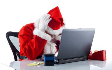 Babbo Natale disperato al pc