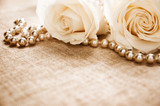 White roses and pearls - 37229335