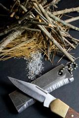 Magnesium Fire Starter - Pocket Knife - Tinder Pile