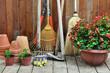 outils de jardinage, rangé dans l'abris