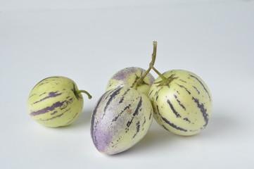 poire-melon (Solanum muricatum)