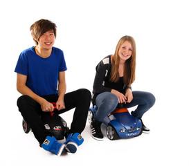 20.11.11 zwei Teenager im Auto