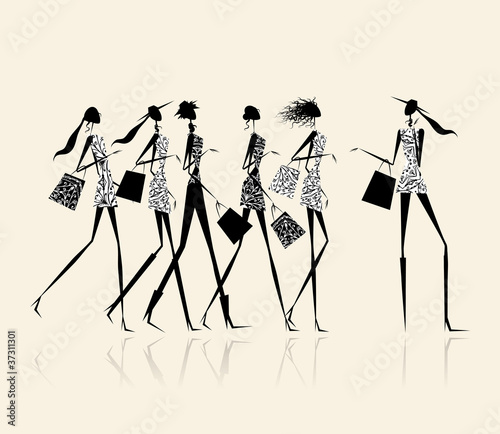 Fashion girls with shopping bags, illustration for your design © Kudryashka