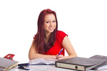 lachende Studentin beim lernen