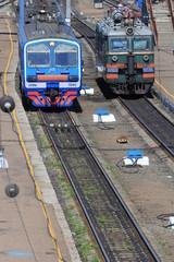 Железнодорожные пути и электровоз