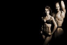 homme et une femme dans la salle de gym