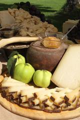 Formaggio miele e melecotogne