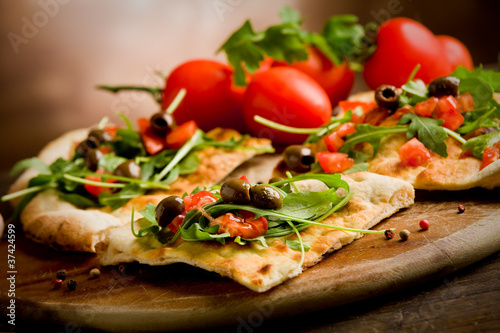 Staande foto Brood Pizza Vegetariana