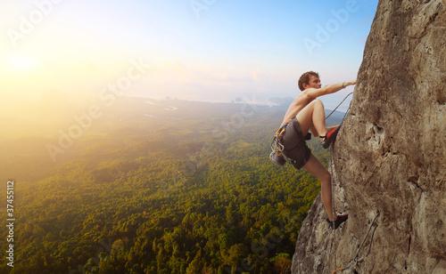 Climbing - 37455112