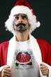 Babbo Natale  baffi e nettezza umana