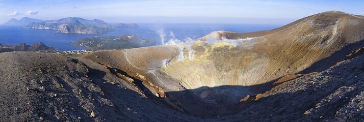Cratere di Vulcano ed isole Eolie