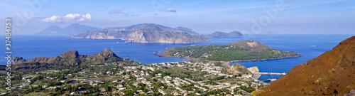Leinwanddruck Bild Abitato di Vulcano ed isole Eolie