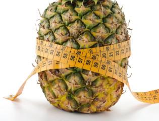 Nastro di misurazione su ananas