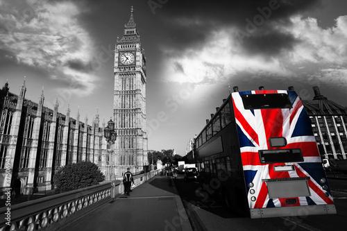 Fototapeta samoprzylepna Big Ben with city bus in London, UK