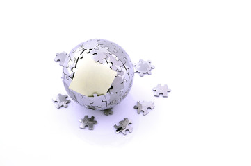 broken puzzle glob, Earth with memo card