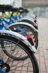 Biciclette in sequenza