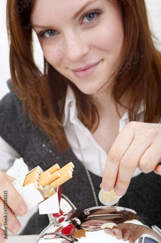good intent: stop smoking and save mony