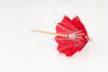 Ombrelle repliée rouge