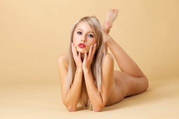 Blonde Frau / Sanfte Schönheit