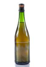 Botella de sidra fresca