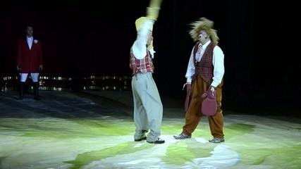 circo, i clowns si picchiano