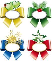 Targhette natalizie con fiocchi colorati