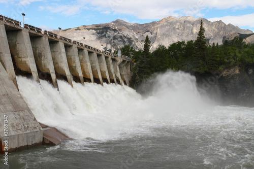 Hydro Electric Dam Przelew