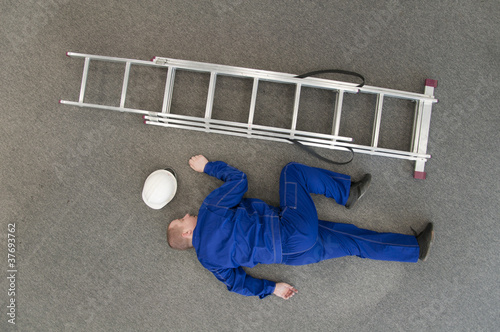 worker fell from a ladder