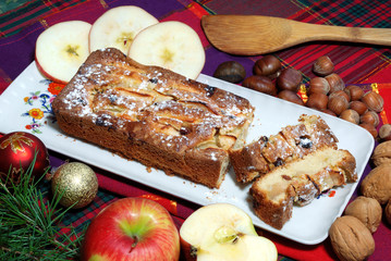 dessert a base di mele e uvetta sultanina