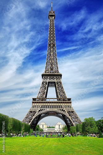 Eiffel tower in Paris - 37707365