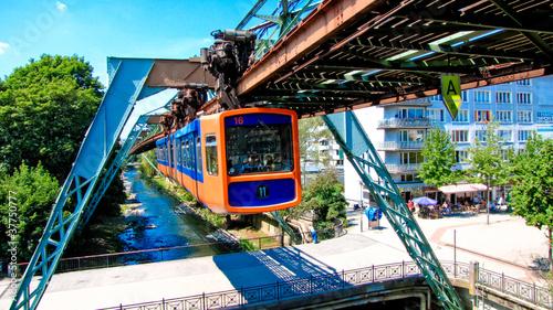 Leinwandbild Motiv Schwebebahn Wuppertal Oberbarmen