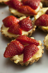 Pastry-Strawberry Fruit Tarts