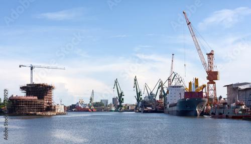 Shipyard of Gdansk. © Mariusz Niedzwiedzki