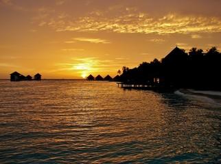 Восход над островом.