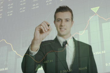 Businessmen felice degli affari in crescita