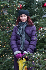 giovane ragazza in inverno