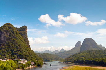 Li river in Yangshou near Guilin landscape