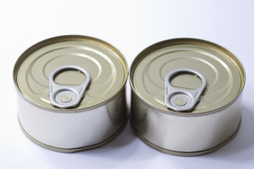 Closed cans