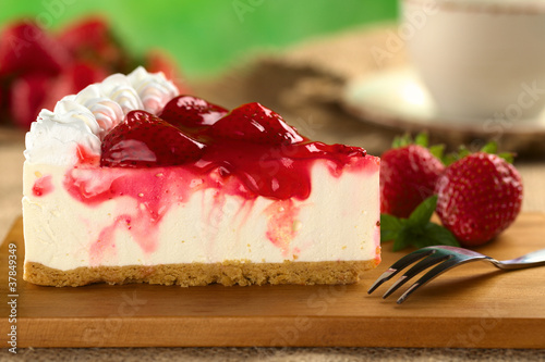 Fresh strawberry cheesecake (Selective Focus)